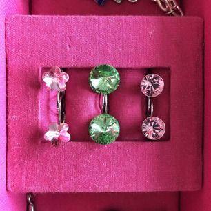 ÄKTA Swarovski kristall örhängen! 80kr/st eller alla för 200kr! Har tyvärr inte kvar bevis som tyder på att det är äkta.. Alla är nyskick! FRI FRAKT
