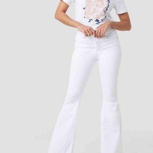 Dr denim vita bootcut jeans, är för stora för mig.