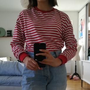 Randig tröja från Hm divided, köpte på bloppis och har endast använt den en gång, bra kvalite💞