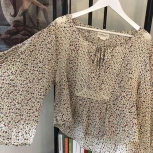 Oversize blus från Ralph Lauren med slits i ärmarna