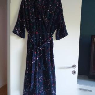 Monki jumpsuits i mycket bra skick Använd bara 1gång som ny
