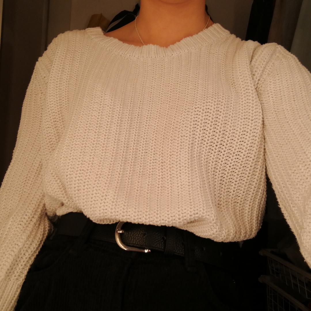 Stickad tröja från levis som endast kommit till användning som myströja men den är väldigt snygg så den förtjänar att användas mer🌺. Stickat.