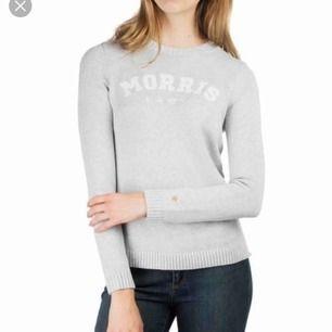 Väldigt fin stickad morris lady tröja. Endast använd ett fåtal gånger och säljer på grund av fel storlek. köparen står för frakt annars kan jag mötas upp i Linköping och Norrköping. Nypris- 1200kr