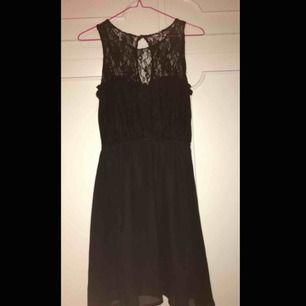 Jättesöt svart klänning