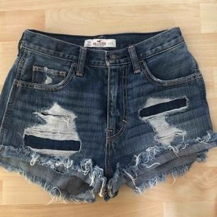 Hollister shorts i bra skick. Säljer pga av att det blivit för små. Kan mötas upp i Stockholm, annars tillkommer frakt!