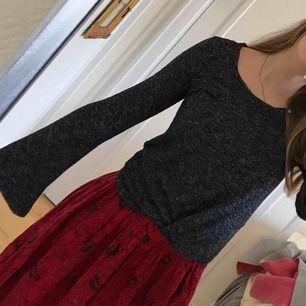 FRI FRAKT! Super fin tröja från Gina! Knappt använd, passar storlek XS- M