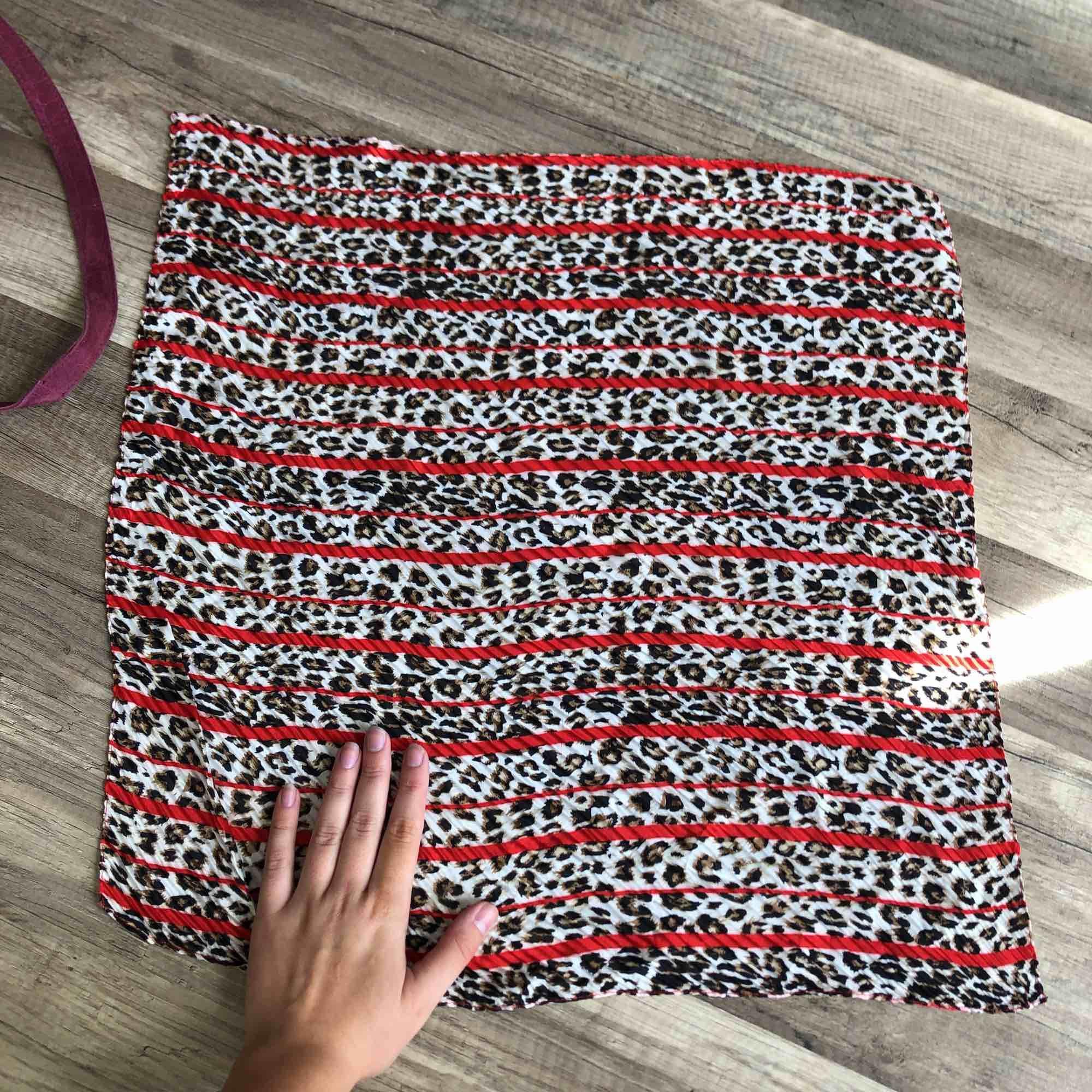 Helt ny superfin scarf, 10 kr frakt! 🌞. Accessoarer.