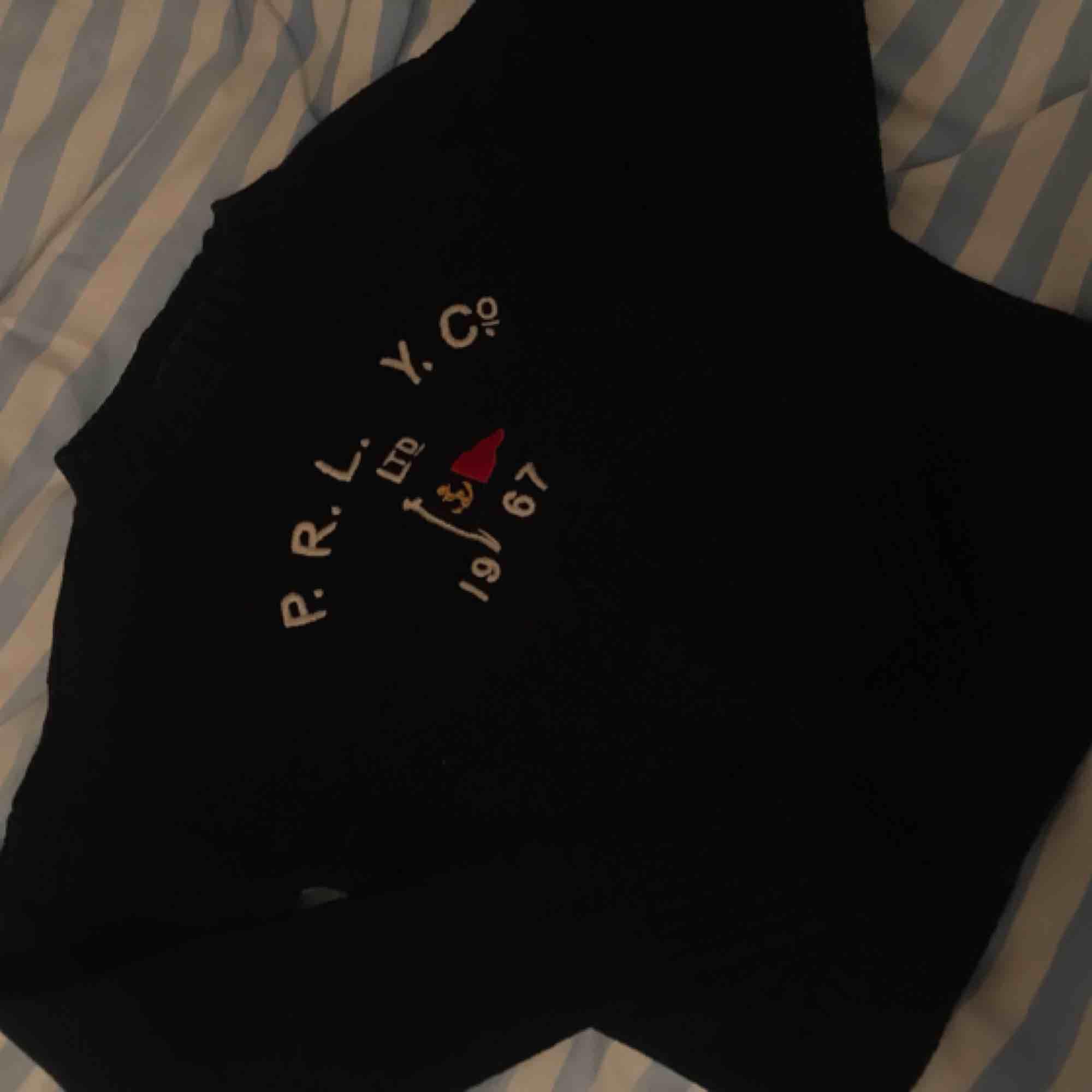 Hel och fin tröja från Ralph Lauren, storlek XS 200kr. Stickat.