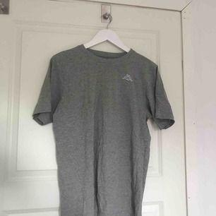 Så fin kappa t-shirt, säljes för jag har två. Så fint att ha lite oversized!!💖