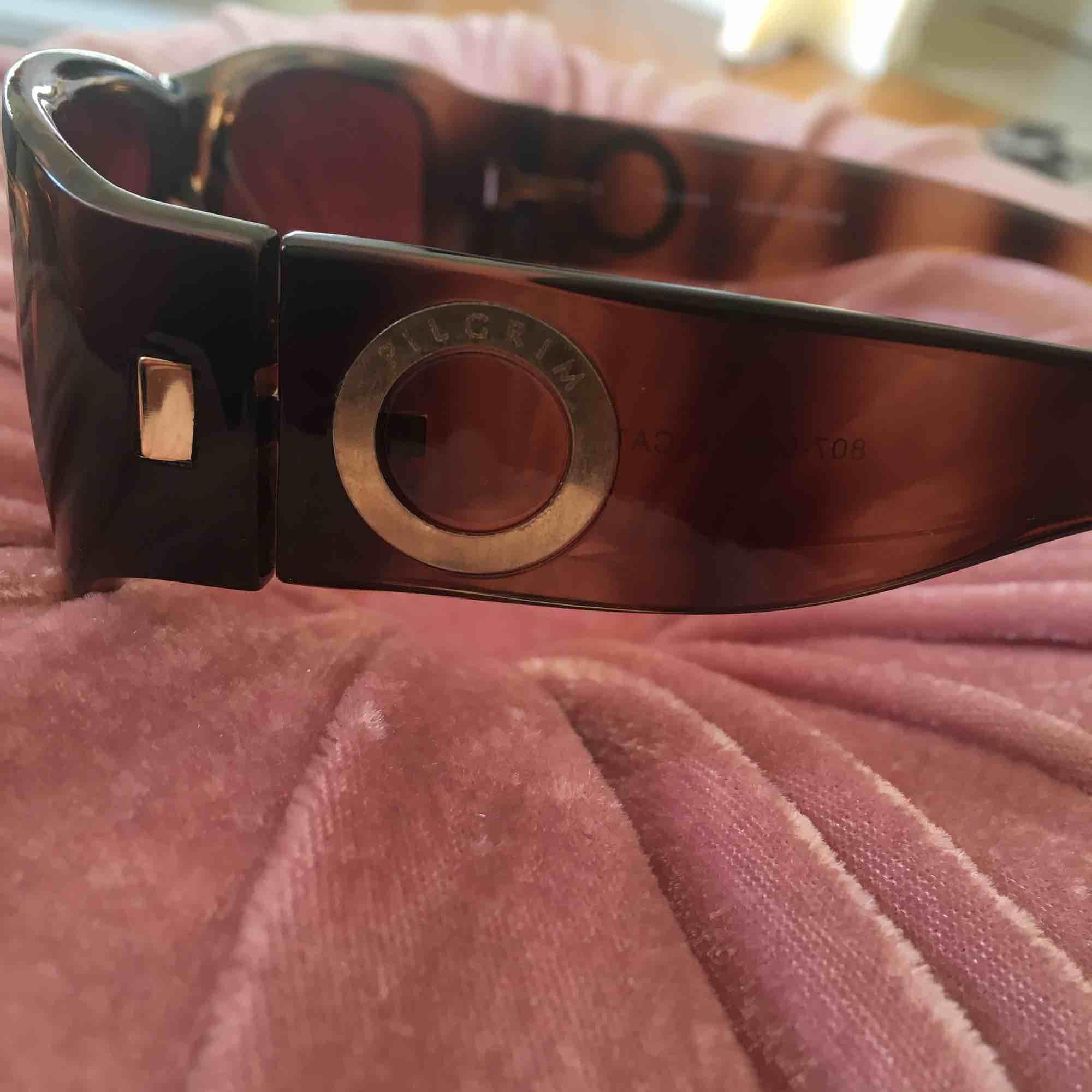 Pilgrim  knapp använda solglasögon . Accessoarer.