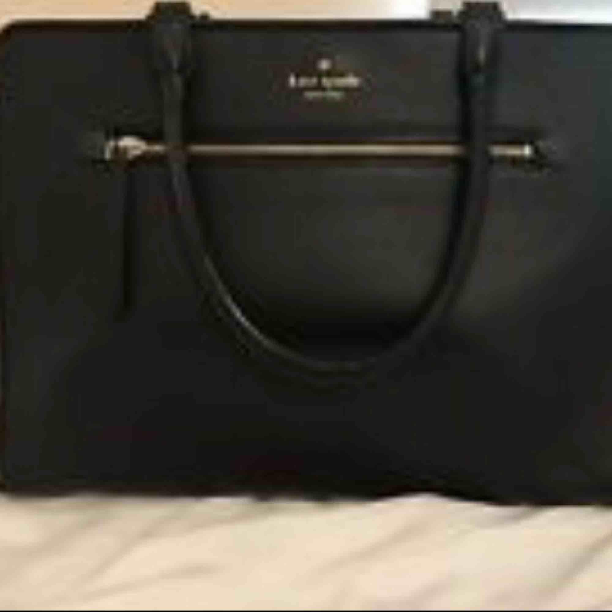 Kate spade purse . Accessoarer.