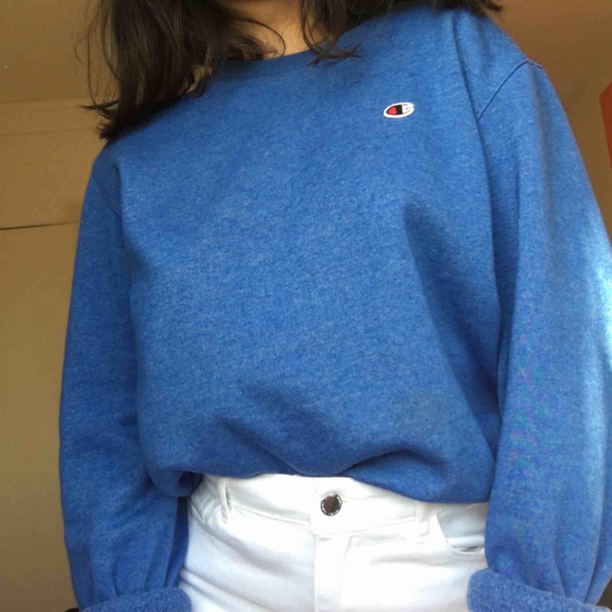 Riktigt fin och mysig Champion tröja som jag tyvärr inte längre använder.. Toppar.