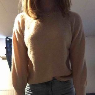 Rosa, stickad tröja ifrån only  Använd 2/3 ggr