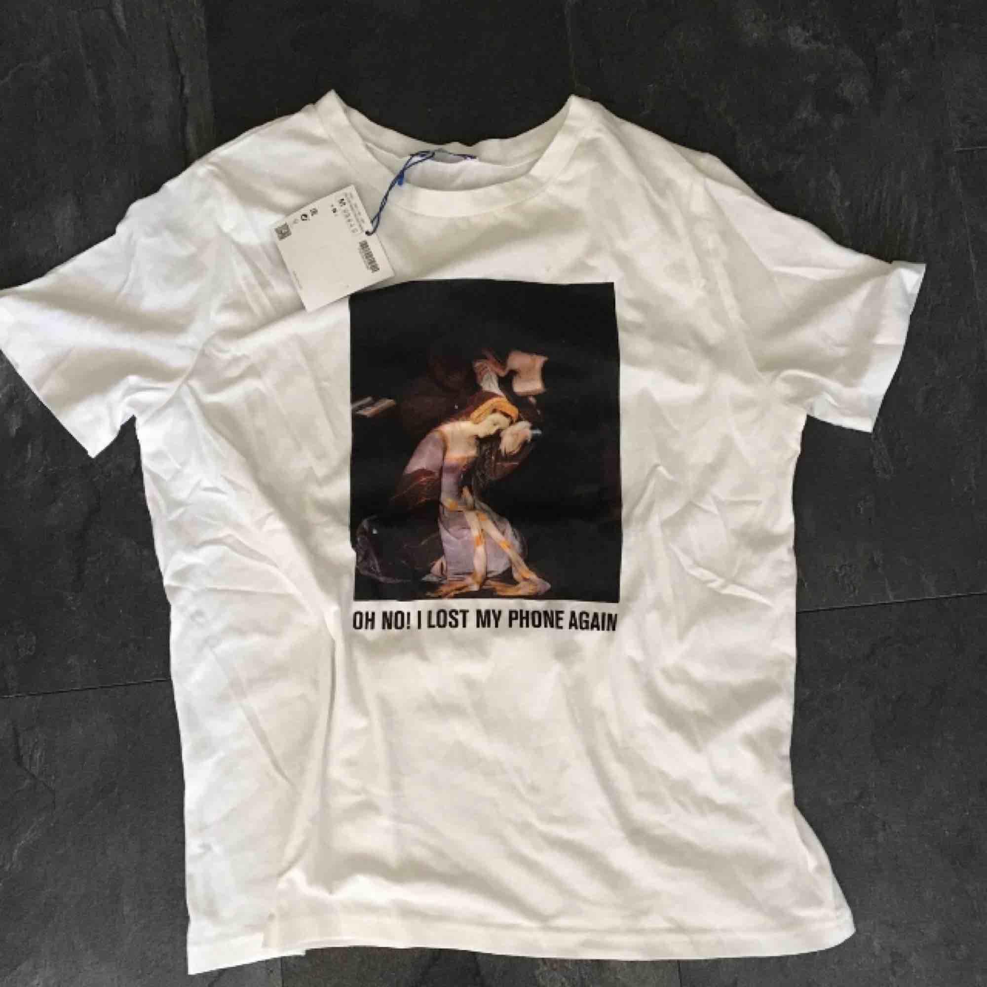 Zara tshirt, ny. . T-shirts.