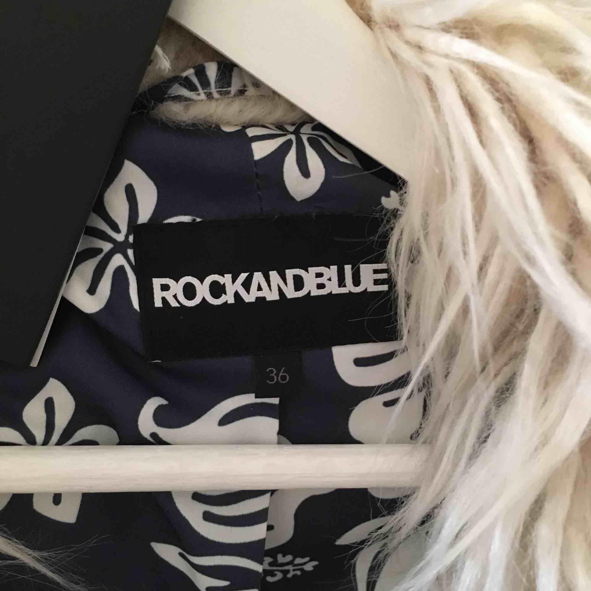 RockAndBlue pälsjacka, skitsnygg. Aldrig använd, nyskick . Jackor.
