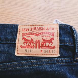Snygga Levis jeans i stl 34/30. Fint skick. Frakt 79kr