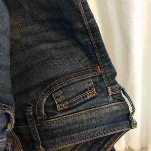 Extremt snygga och sköna Hollister jeans som inte kommer till användning🌹