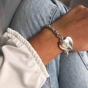 Helt nytt armband i äkta silver, asken/lådan ingår 🌞 Fri frakt!