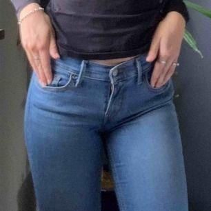 Levis 710, ljusblåa jeans, nya, kommer inte till användning