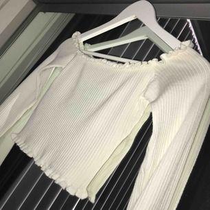Off shoulder tröja, helt ny!! 🌹
