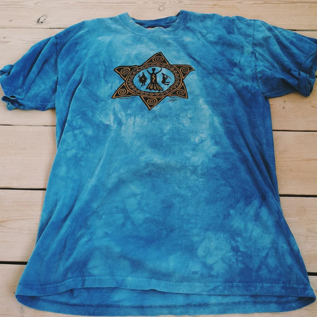 Supercool unik tiedye aktig tshirt. Jag har haft den oversize som klänning. . T-shirts.