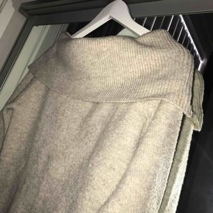 Off shoulder tröja, använd 1 gång🌹