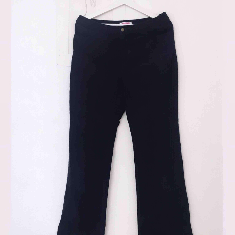 Superfina svarta Manchesterbrallor i storlek 40 (jättesmå storlekar). Perfekt passform! . Jeans & Byxor.