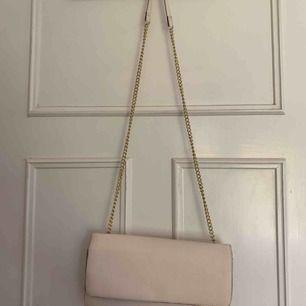 Beige/ Ljusrosa väska från HM, Frakt tillkommer