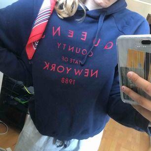 Go hoodie från Gina strl M.  Köparen står för frakt