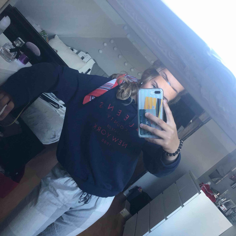 Go hoodie från Gina strl M.  Köparen står för frakt. Huvtröjor & Träningströjor.