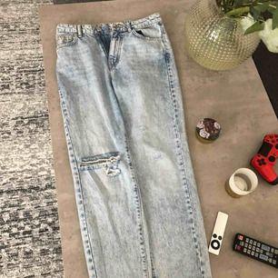 Säljer dessa så snygga jeansen från Gina! Storlek 36 och köpta förra sommaren för 500 kr 🌸 Perfekta nu till sommaren!