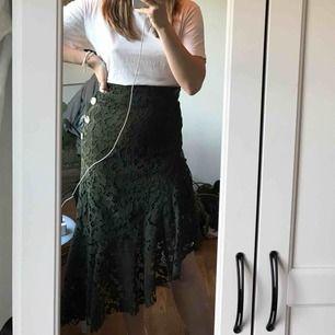 Sååååå fin kjol från zara, helt ny då jag köpte den till sommaren men har insett att den inte riktigt är min stil. Aldrig använd som sagt och har asnajs passform.
