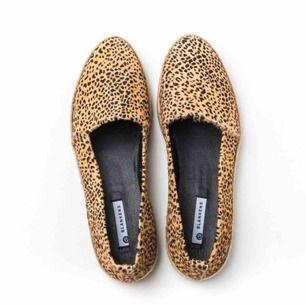 Helt nya Blankens-skor i storlek 41.  Nypris 1695:- Avhämtas eller postas med skicka lätt.