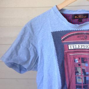 Ljusblå vintage Ben Sherman tshirt, strl small.