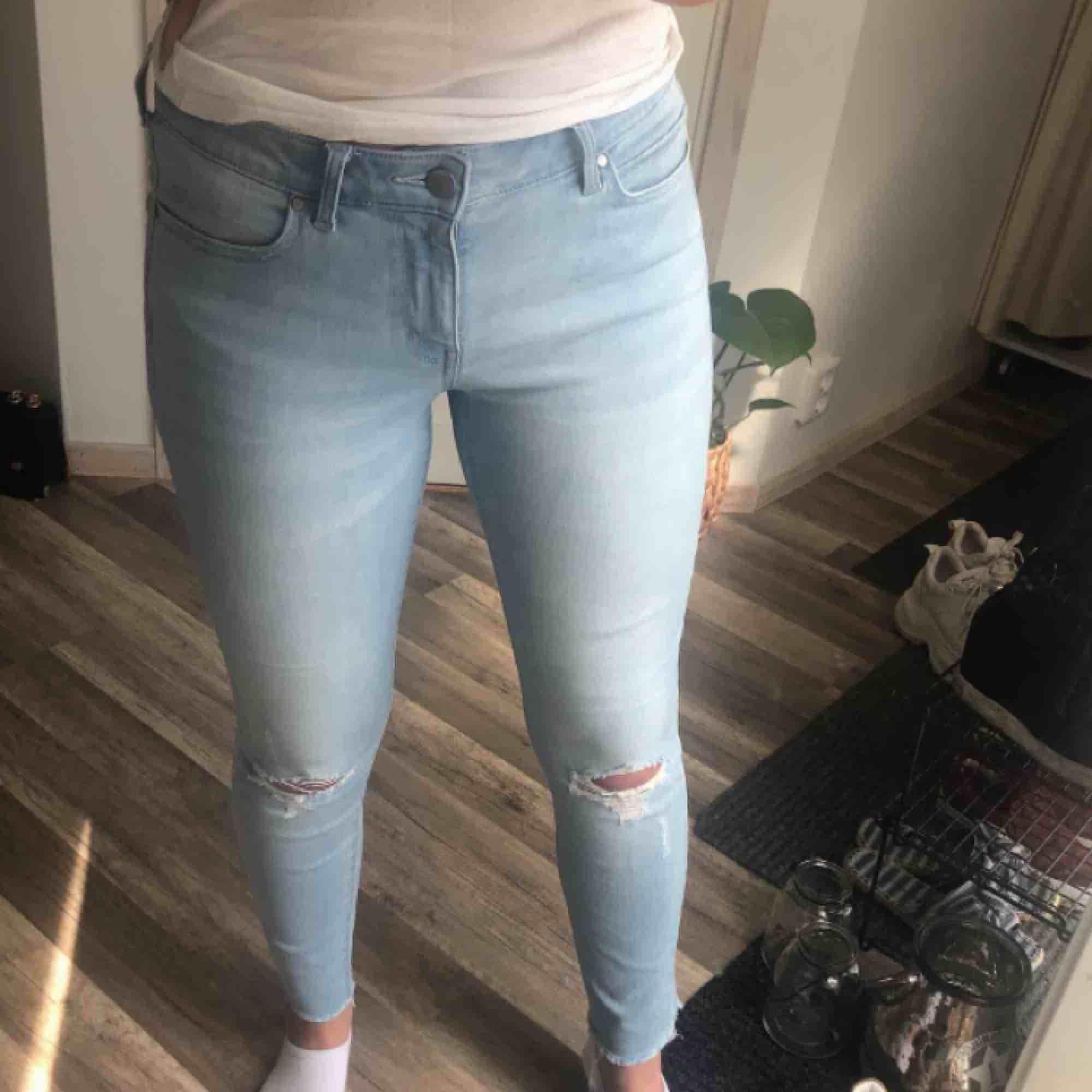 Jeans i perfekt skick, stretchigt material 🌞 30 kr frakt. Jeans & Byxor.