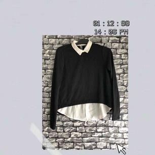 En slags tröja med en insyd skjorta under från NewYorker i storlek XS. Har aldrig använt den och därmed helt nyskick. För fler bilder går det bra att fråga :) Frakt förekommer. Kan mötas upp i Göteborg.