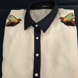 Jätte fint Shien skjorta, storlek L    Ni står för frakten 63 kronor via postnord
