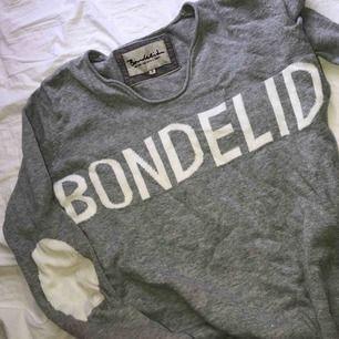 Säljer denna tröjan från bondelid i mycket bra skick!!🌸