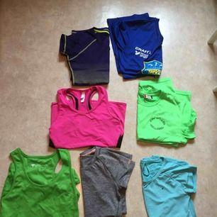 7 för 150 kr!!! 7 stycken träningströjor. 5 av dem är oanvända/använda 1 tillfälle. 2 av dem är använda och lite slitna (ljusblå och rosa)  Kan gå ner i pris vid snabb affär 🍒