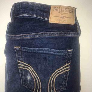 Hollister jeans i jätteskön stretch, och i mycket bra skick