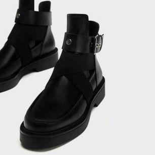 Helt nya skinboots från Zara. Aldrig använda! Supersnygga och moderna.  Säljer pga fel storlek.