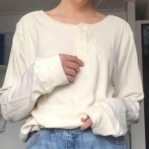 Världens mysigaste tröja köpt på secondhand på herravdelningen! Frakt tillkommer