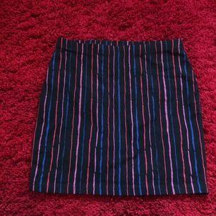 Kjol som passar både för storlek S/M 💋 använd fåtal gånger, väldigt bra skick! Tar emot swish 😊