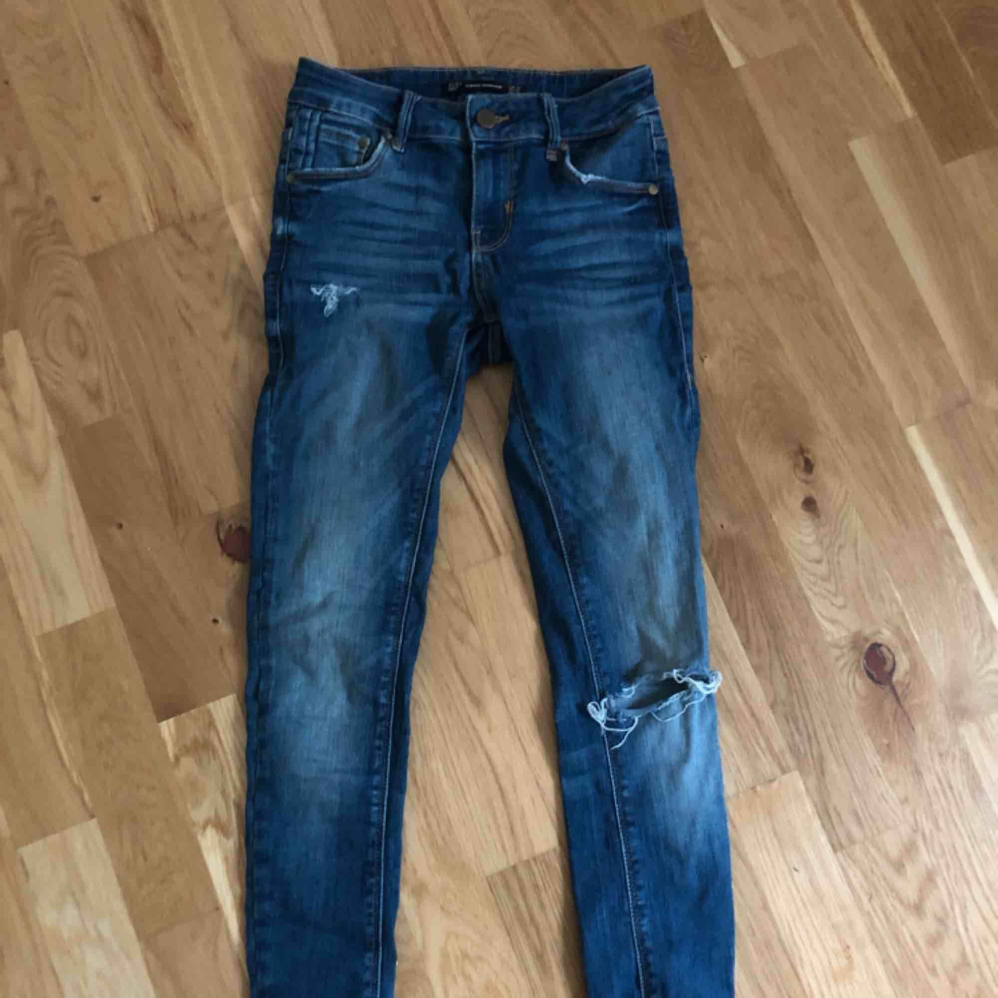 Jeans storlek 34. Från zara.. Jeans & Byxor.
