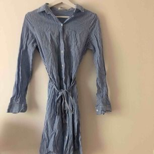 Skjortklänning storlek xs