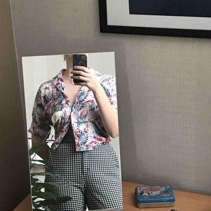 Tjusig hawaiiskjorta från Carlings - perfekt till sommaren ☀️🌷 tar endast swish, frakt inräknat i priset ✨