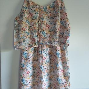 Fin sommar klänning från Esprit
