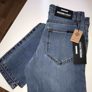 Helt nya och helt oanvända blåa jeans ifrån DrDenim