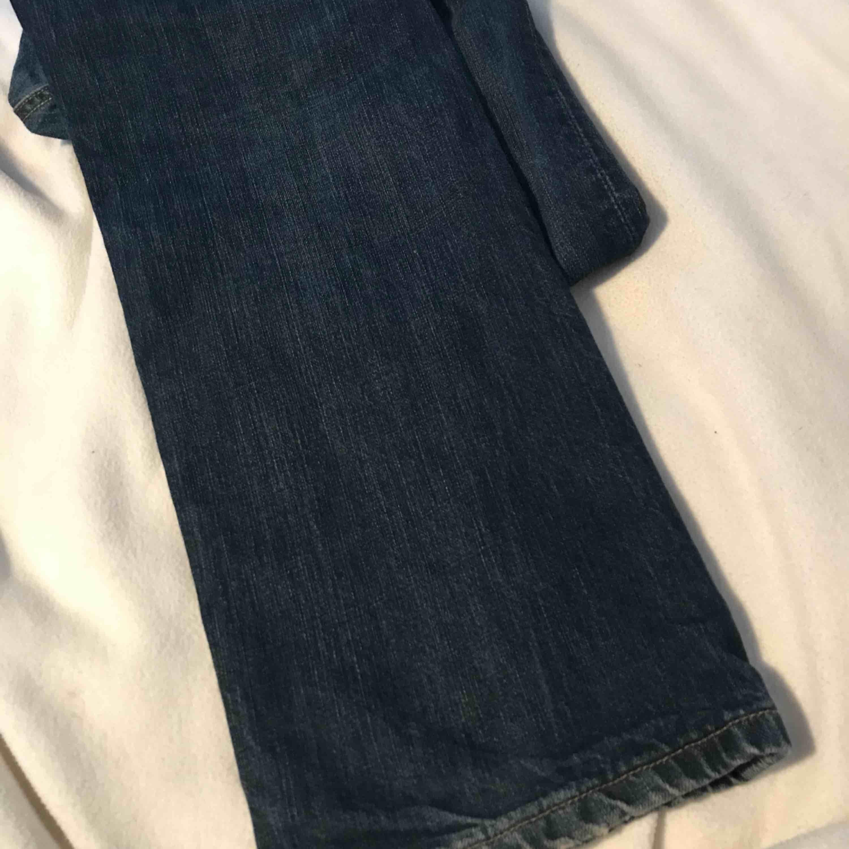 Levis jeans herr, aldrig använda pga fel storlek.. Jeans & Byxor.