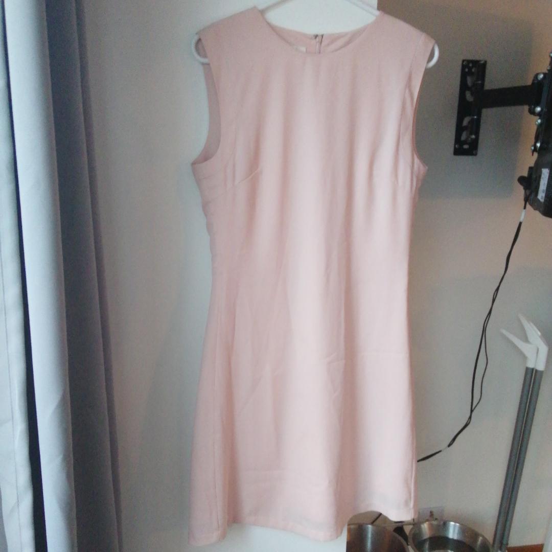 Rosa klänning . Klänningar.